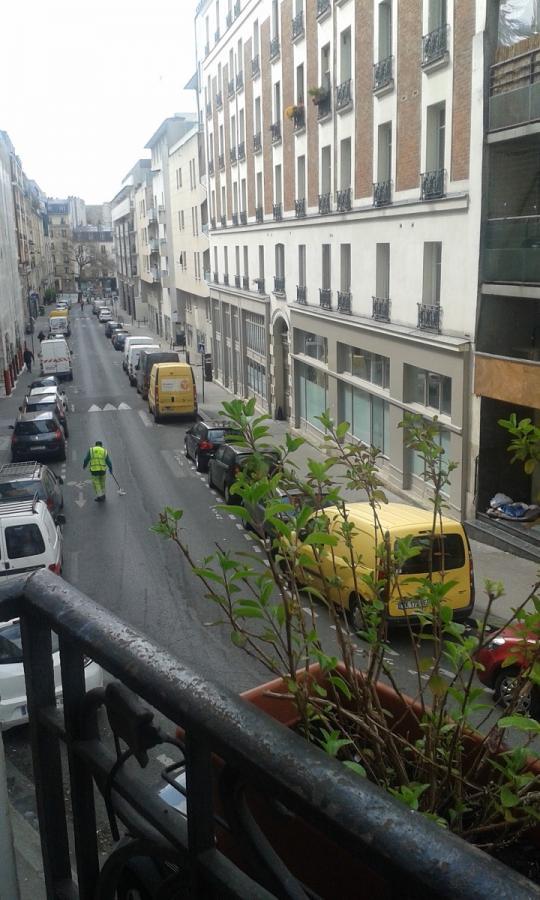#AMAFENETRE Catherine, Paris 10e, rue du Buisson Saint-Louis, 3 avril