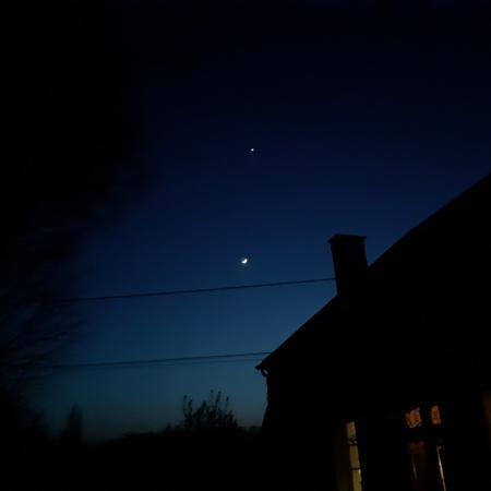 #AMAFENETRE Catherine, Le Champion, 28 mars / La lune et Vénus