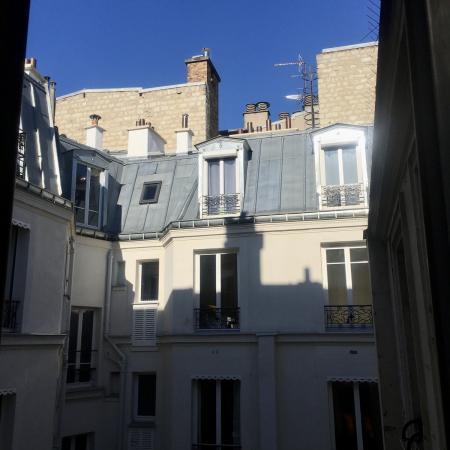 #AMAFENETRE Hélène, Paris 17e, 23 mars